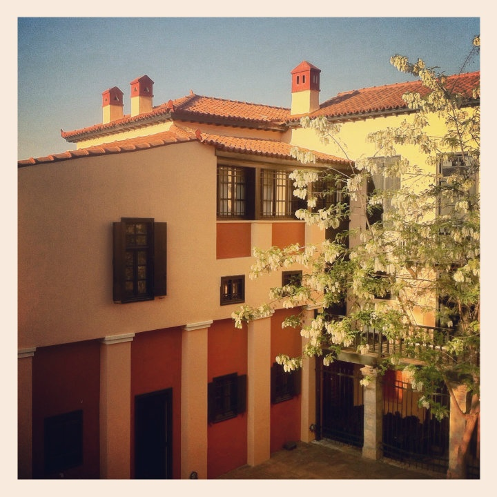 The University of Athens Museum is housed in the old house of Cleanthes and Schaubert. (Walking Athens - Route 04 / Plaka)