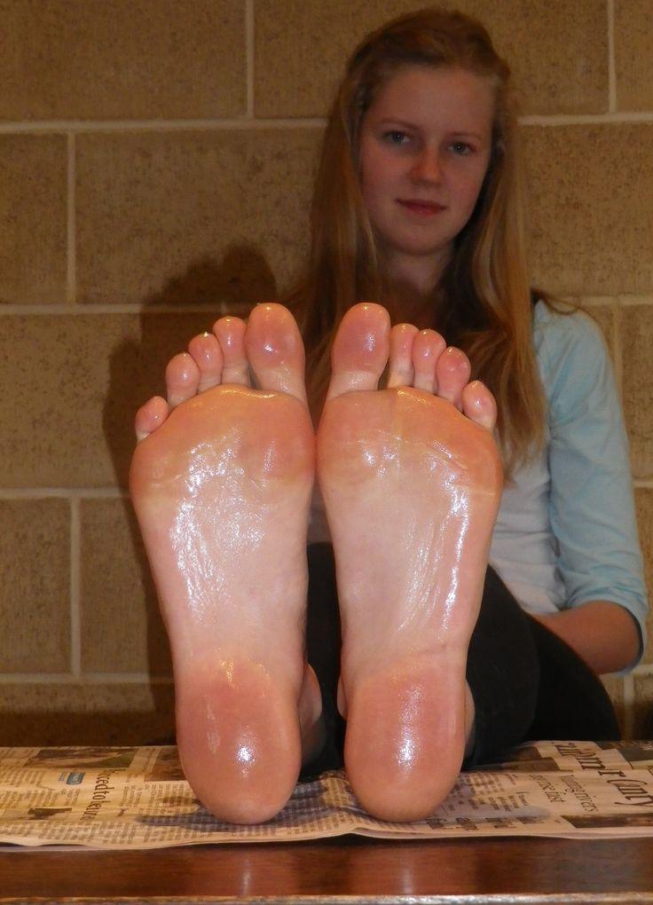 Sexy oily feet