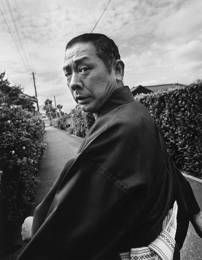 古今亭志ん朝  Kokontei Shinchou, a comic storyteller, by Kazumi Kurigami
