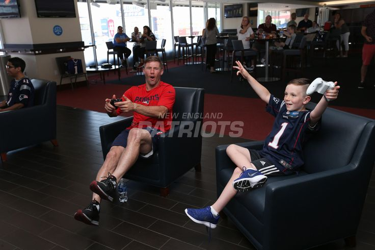 Julian Edelman Makes Wishes Come True | New England Patriots