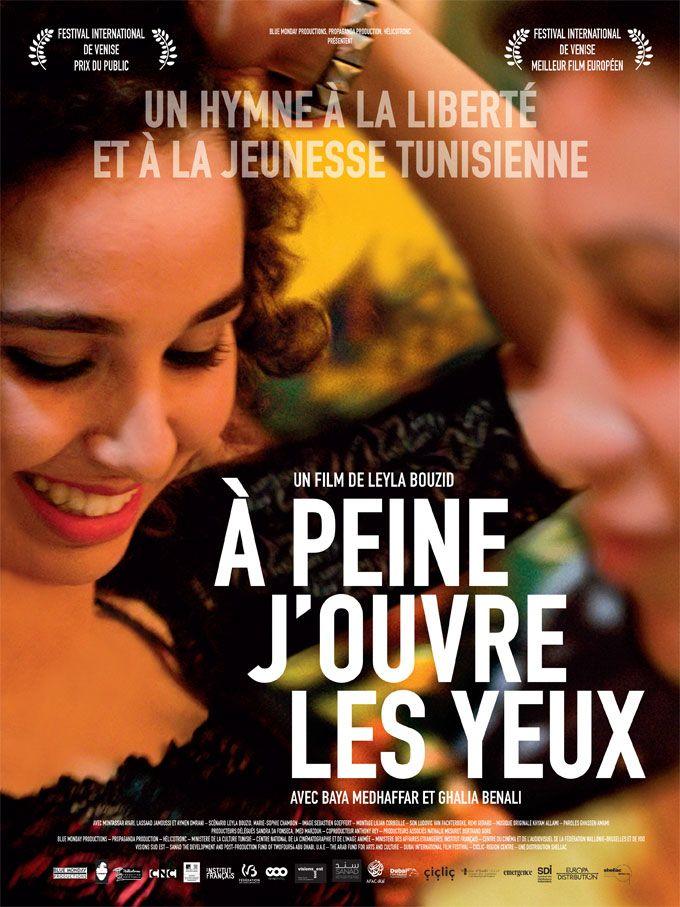 À peine j'ouvre les yeux est un film de Leyla Bouzid avec Baya Medhaffar, Ghalia Benali. Synopsis : Tunis, été 2010, quelques mois avant la Révolution, Farah 18 ans passe son bac et safamille l'imagine déjà médecin… mais elle ne voit pas les choses de la même manière. Elle chante au sein d¹un groupe de rock engagé... http://www.allocine.fr/film/fichefilm_gen_cfilm=235875.html