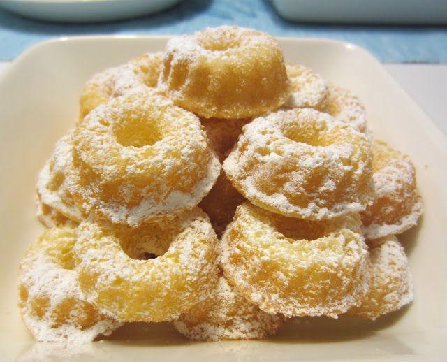 Herkkuja leipomassa: Sitruuna-perunajauhokakku/ Lemon-Potato Flour Cake...