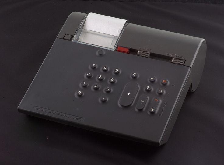 Divisumma 28 desk top calculator designed by Mario Bellini for Olivetti in 1972.