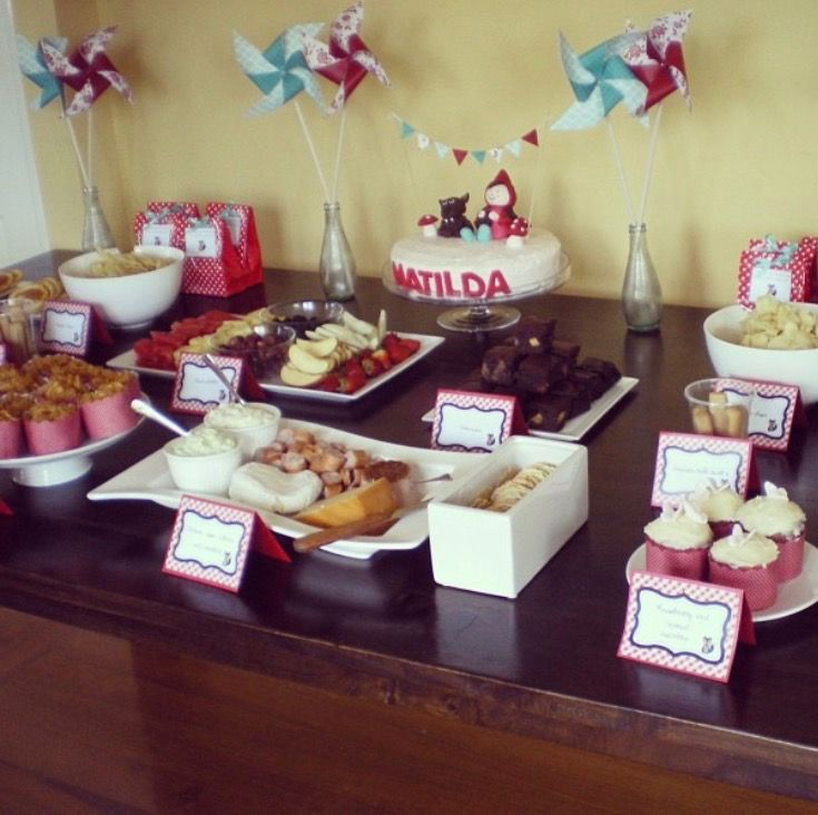 Tilly's first birthday party: Little Red Riding Hood styling