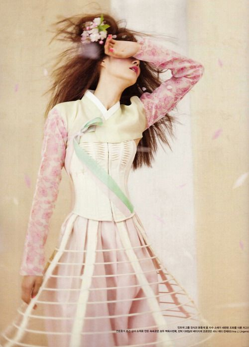 Lee Hyun Yi for Vogue Korea May 2012. Hanbok redefined.