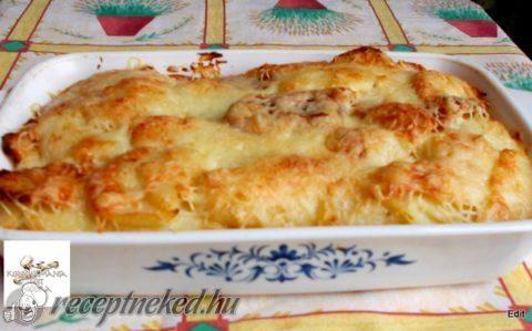 Krumpli ágyon és szalonnán sült sajtos virsli recept fotóval