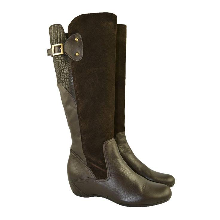Botas altas Dakota marrón con cuñas interiores de 5cm. de altura y caña en…