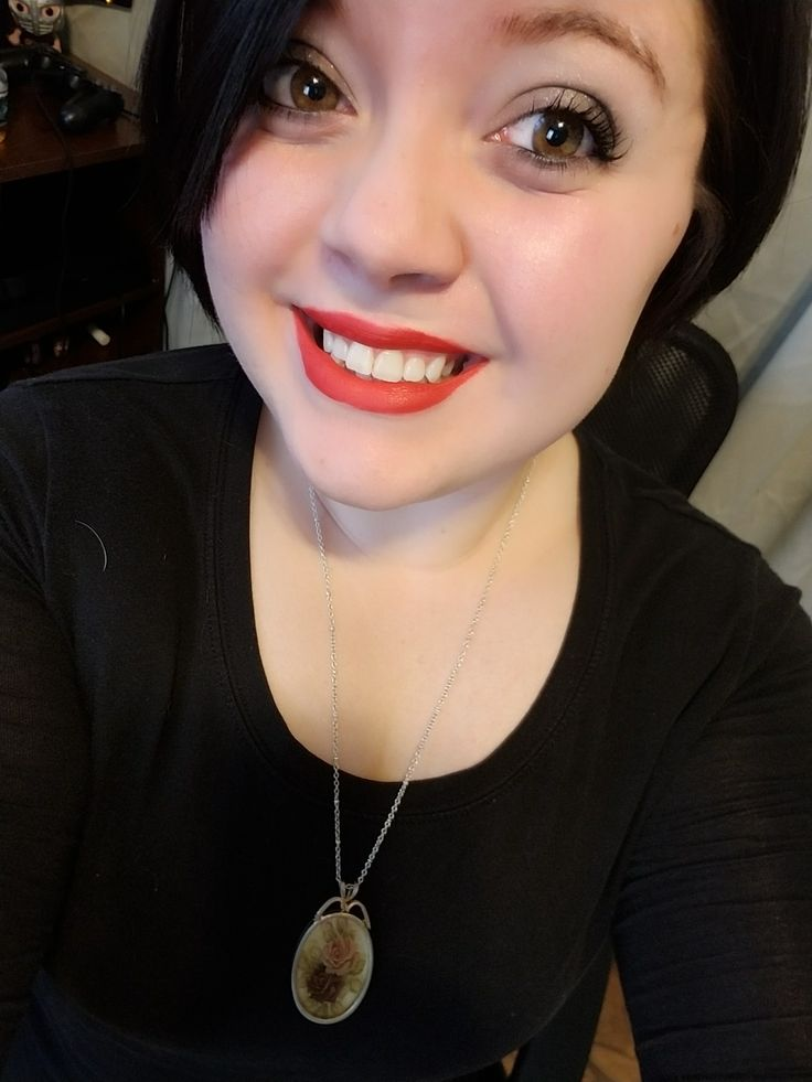 Younique: Moodstruck Splash Liquid Lipstick Color: Stubborn Lasted all day!!💋😍😍 Drinking, eating, rain, chapstick, you name it! My Day was rough! At least my lipstick stayed true!!💋
