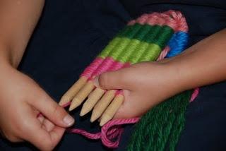 Weven: Techniek om textiel te maken met behulp van 2 soorten draden.