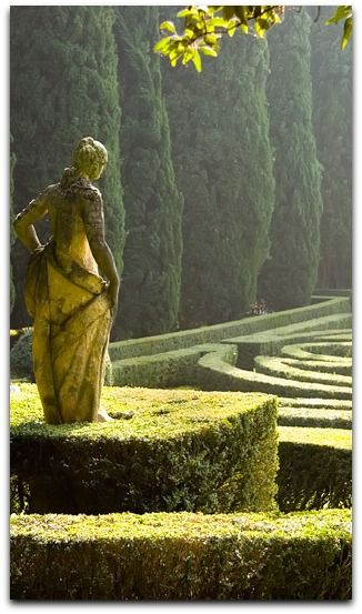 Gardens in Northern #Italy