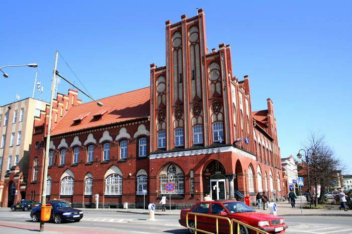 Le bureau de poste de Szczecin se trouve sur l'Obroncow Westerplatte - Photo © miltschek- Flickr.com #Pologne #Szczecin
