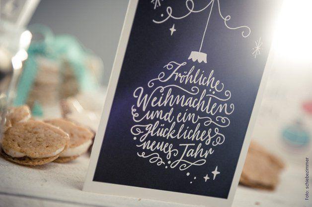 Schicke Weihnachtskarte mit Handlettering-Motiv und viel Platz für mehr warme Worte. Klappkarte mit einem Umschlag aus Kraftpapier für herzliche Weihnachtsgrüße <3