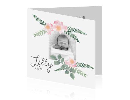 Bohemian geboortekaartje met watercolor attributen die je kunt verplaatsten naar wens. Na de geboorte van jullie kindje plaats je een foto van jullie eigen wondertje. Om het watercolor effect goed uit te laten komen kun je dit kaartje op natuurpapier laten drukken.