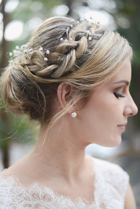 soft boho style for this pretty bride.  hairstyling by me, makeup by Rachel.  Gold Coast - Australia  www.aurumbride.com.au