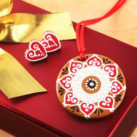 Gingerbreads to wear by Mintapalinta