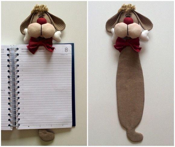 Cachorro marcador de livros. A boneca pronta tem aproximadamente 31cm de altura. <br>PS.: Cores variadas