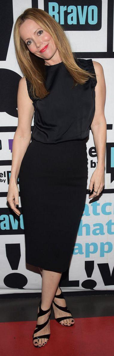 Who made Leslie Mann's black dress and sandals?