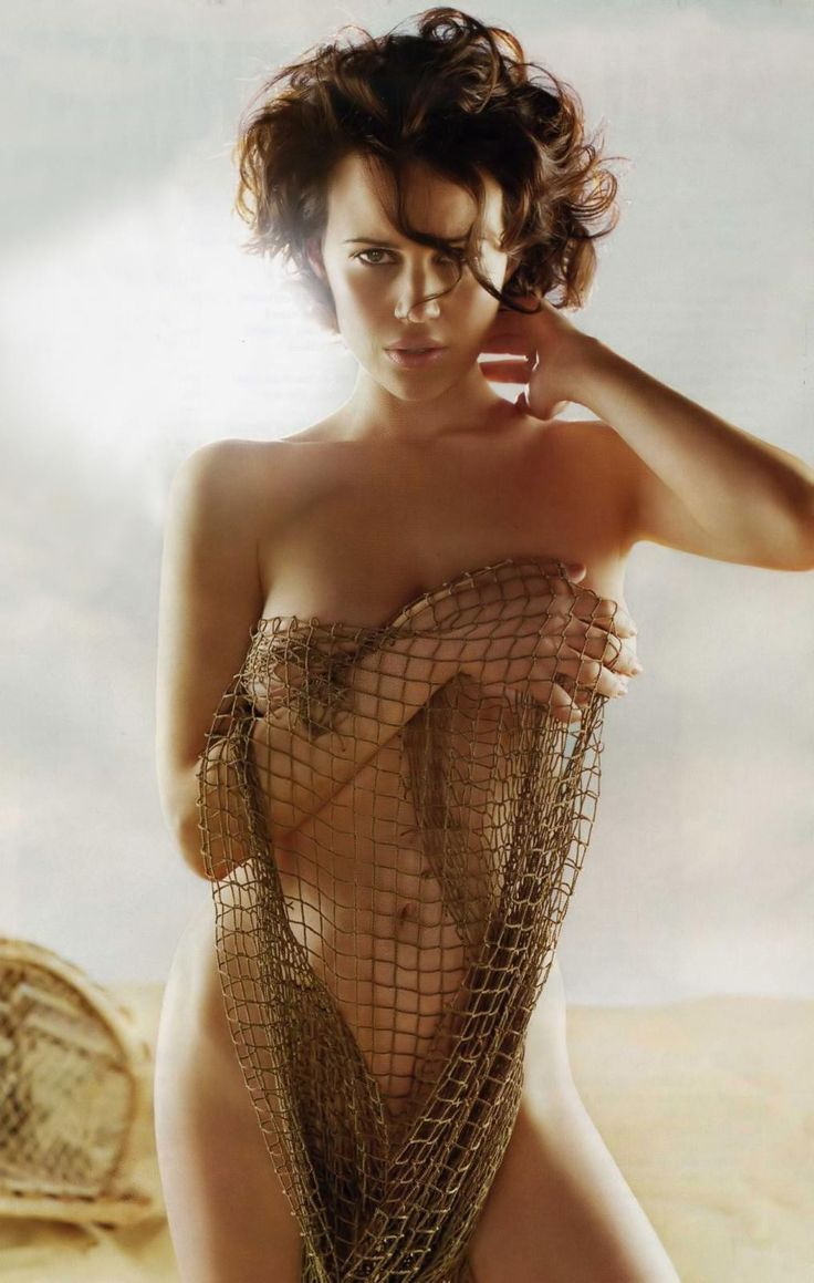 witcher-naked-pictures-of-carla-gugino