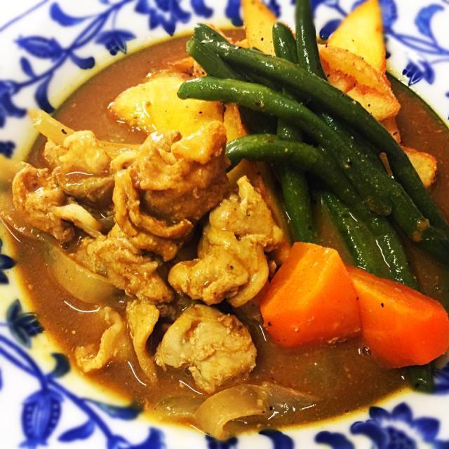 4月24日夕食メニュー ⚫︎豚肉のスープカレー ⚫︎イタリアンサラダ ⚫︎オニオンスープ - 12件のもぐもぐ - 豚肉のスープカレー by 下宿hirota&メゾンhirota