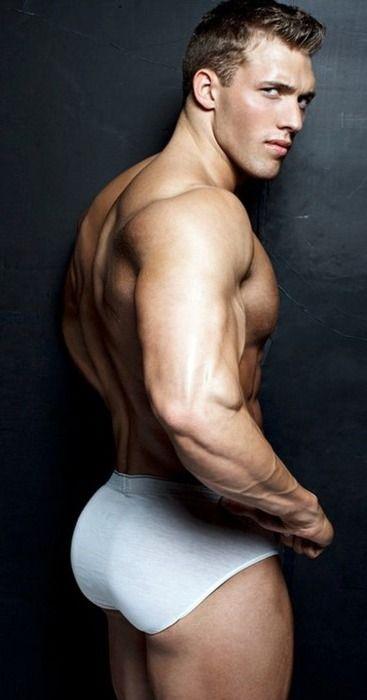 нас мускулистые попки ребят мужчина получает