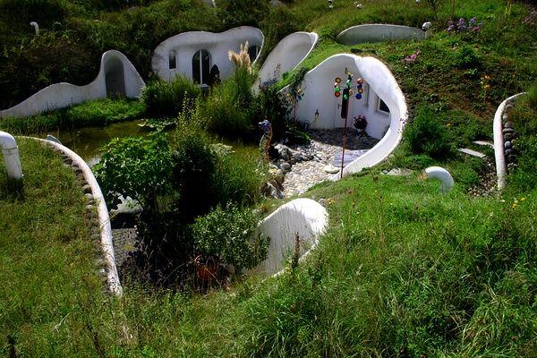 Удивительный дом под землей