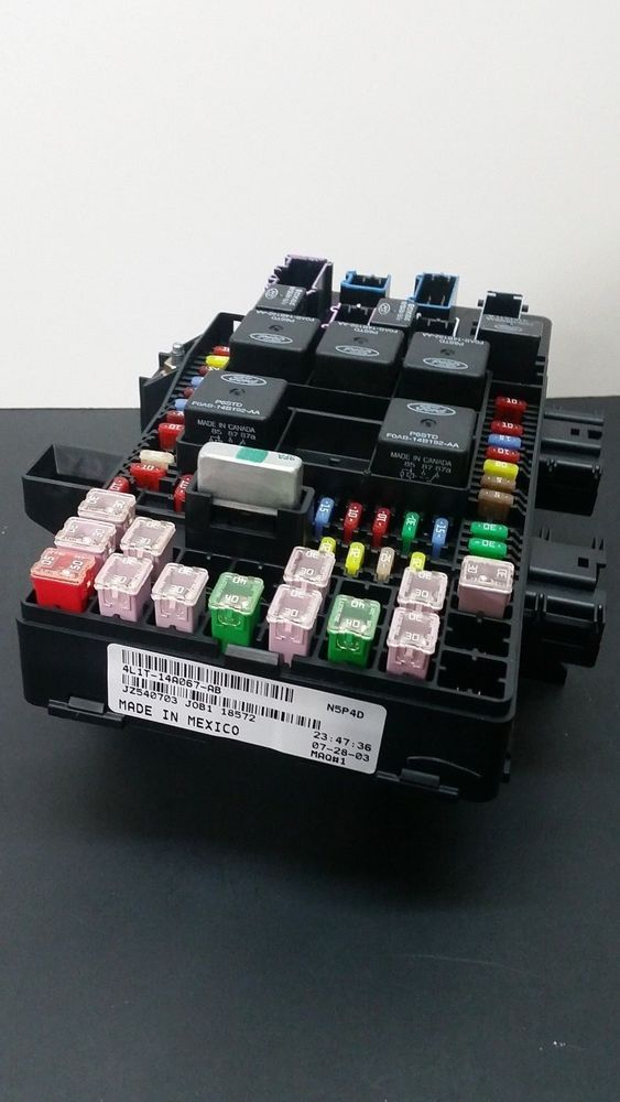 2003 ford expedition fuse box buzzing 03 06 ford expedition navigator oem fuse box relay panel 4l1t  ford expedition navigator oem fuse box