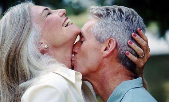 Любовь в разном возрасте: как меняются требования женщин с годами ...