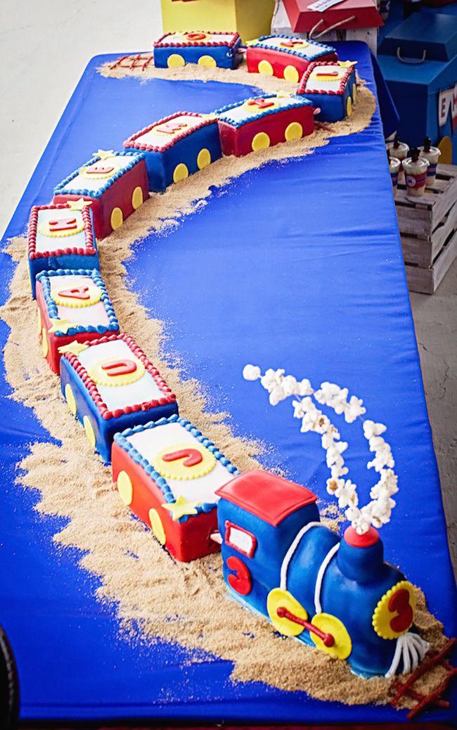 Best 25 Train Cakes Ideas On Pinterest