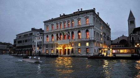 Think you can't afford a hotel in Venice with a canal view? Think again! Here are 5 hotels that offer budget-friendly rooms with a water view.