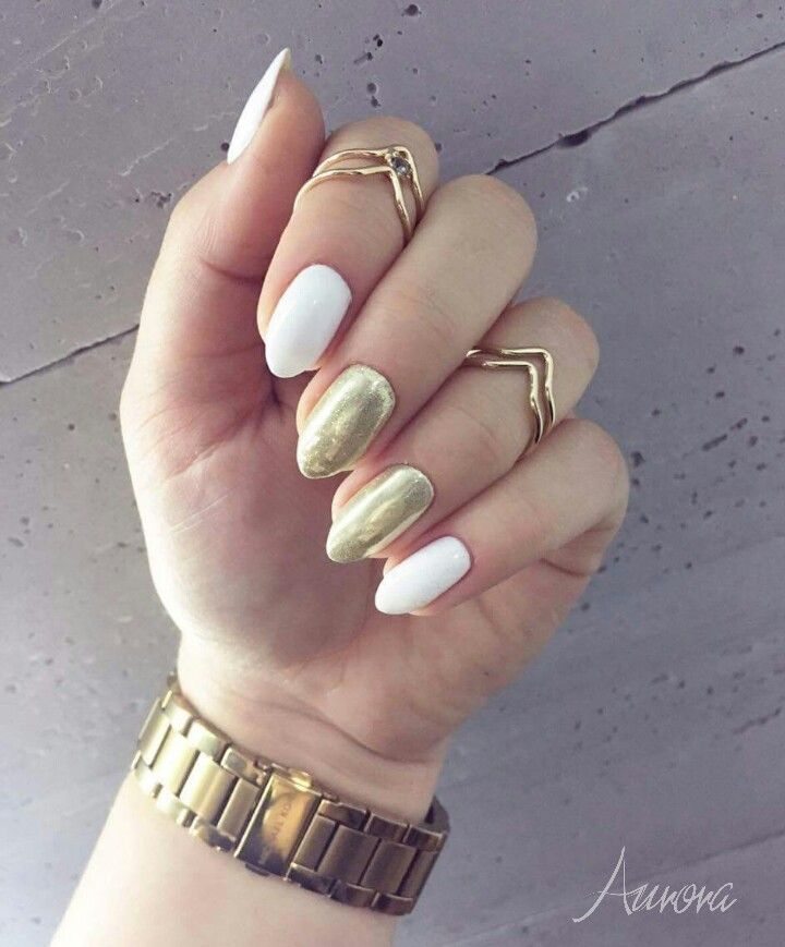 #paznokcie #hybridnails #nailart #manicurehybrydowy #manicure #nails #hybrydowe #brwinów #beauty #glamour #mani #hybryda #hybrydlove #gelpolish #nailstoinspire #nailporn #instanails #nailswag #styling #nailsoftheday #polishgirl #manicurekombinowany #whitenails #chromeffect #metalmanix #michaelkors #ring #gold #nailacuv