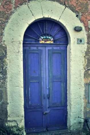 Porta abitazione di Calcata,