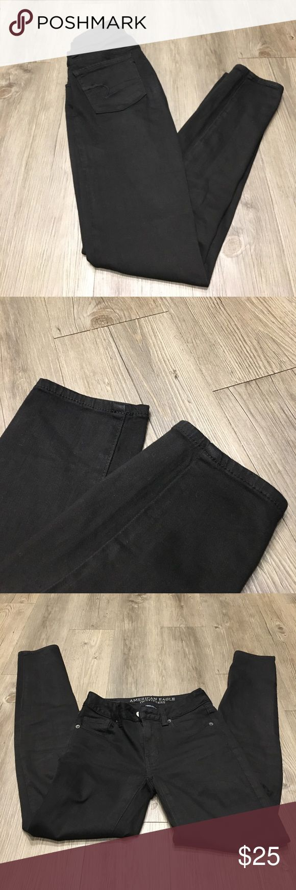 🍃 SALE 🍃 American Eagle Black Skinny Jean American Eagle black skinny jeans. Size 0. Excellent condition! American Eagle Outfitters Jeans