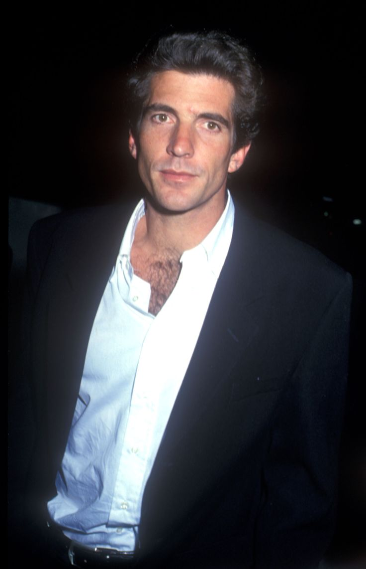 New Biography Reveals John F Kennedy Jr Was Blackmailed By His Famous  Family