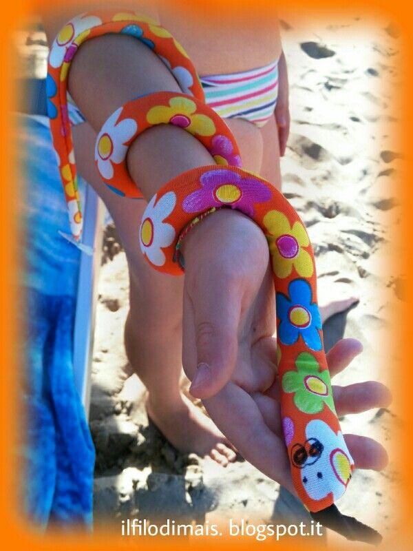 Divertimento garantito non solo in spiaggia!         Un gioco creato un po' a casa e...   un po' in spiaggia;   un po' fatto con le mie ma...