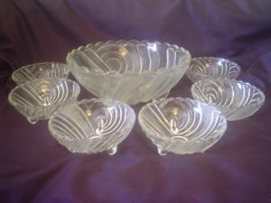 Crown crystal Depression glass salad sweet bowls set harlequin pattern.