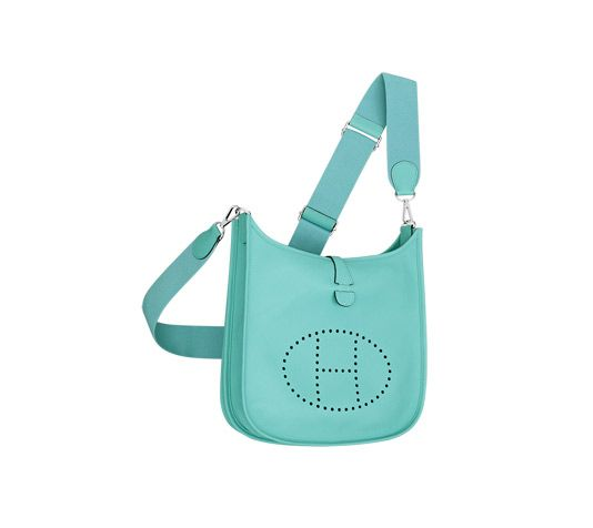 """Evelyne III 29 Hermes shoulder bag in Epsom calfskin (size PM) Measures 11.3"""" x 12"""" x 3""""<br />Adjustable strap from 36"""" to 52"""", outside pocket, leather tab closure and perforated leather plaque<br />Palladium plated hardware"""