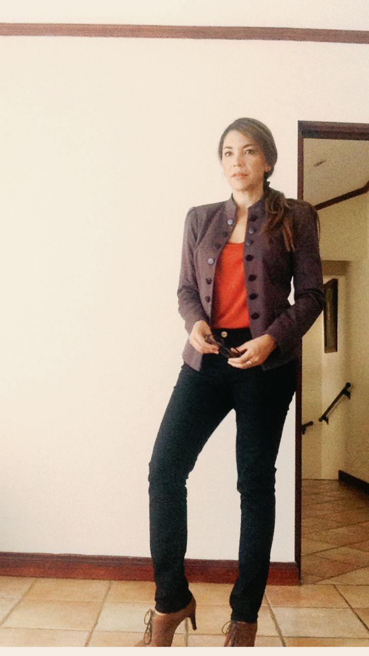 Zapatos Bosi, estilo mocasin y chaqueta militar un look casual y elegante para ir al trabajo!