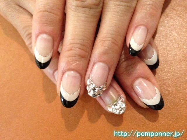 French nail sharp black and white  シャープな白黒フレンチネイル