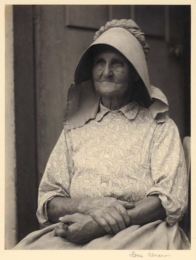 Woman in sunbonnet 1924-1934; Kentuckyiana Digital Library Doris Ulmann collection