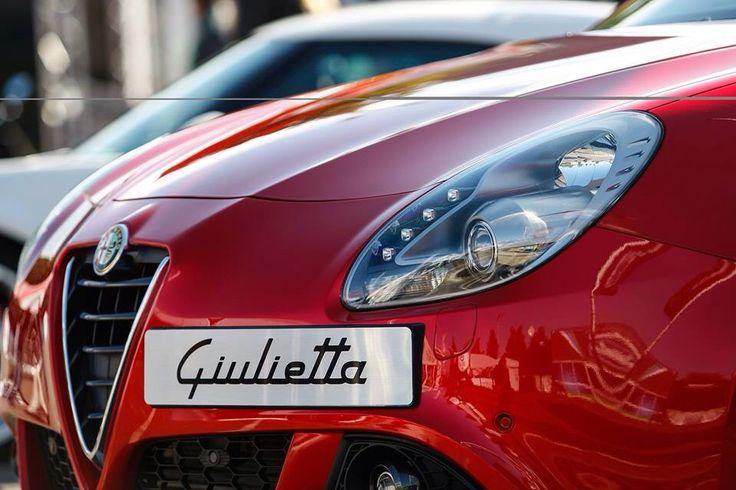 Giulietta uwodzi stylem! Umów się na jazdę testową i daj się uwieść: www.alfaromeo.pl/pl/jazda-testowa