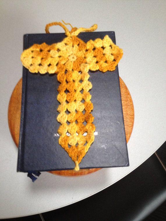 Handgemaakte haak Cross bladwijzer van handmadestudio11 op Etsy