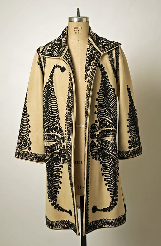 #LaBlouseRoumaine and one of its favourite coat     At the @Karen Bitterman Museum of Art, New York   Date: early 20th century   Culture: #Romanian   Medium: wool   Dimensions: Length at CB: 40 1/2 in. (102.9 cm)   Credit Line: Gift of Christine Valmy, 1981