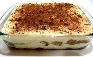 Tiramisu fácil es una de las más deliciosas y simples recetas de tiramisu que podrás encontrar en la web. Atrévete a fascinar a tus invitados con ésta exquisitez!