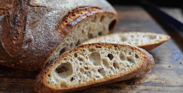 Kváskový chléb si zamilujete.