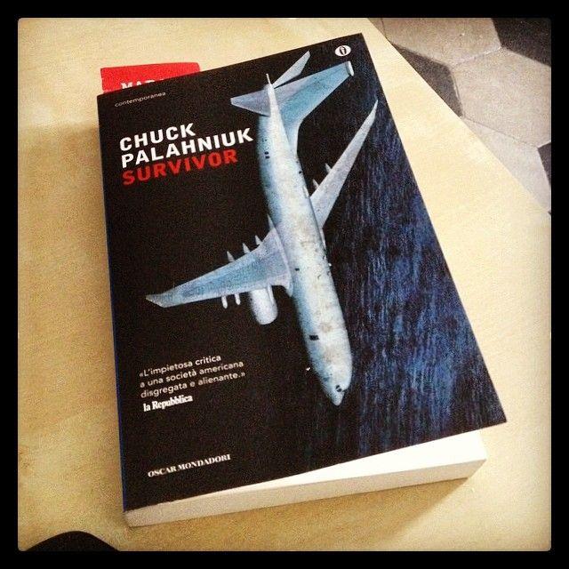 """Survivor"" - Chuck Palahniuk #twittamiunlibro #bibliotecaideale #libri #leggere #lettura #cultura #books #reading #read"