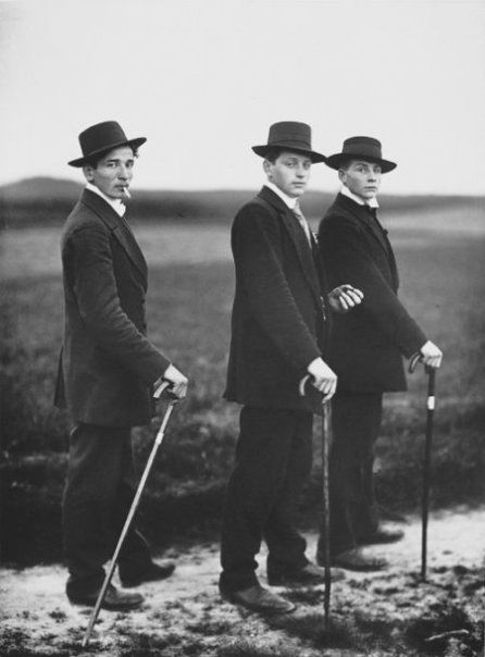 Three Farmers on the way to a Dance - August Sander - 1913