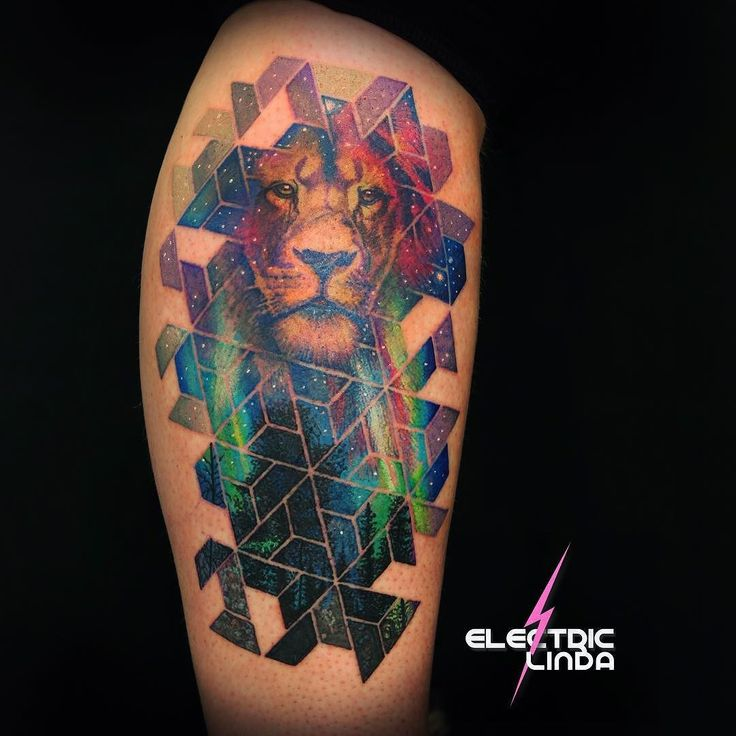 Custom Leg Lion/stars/geo/nature piece done a few days ago! #tattoo #liontattoo #cosmo #cosmos #cosmotattoo #geometric #geometrictattoo #northernlights #oslo #norway #attitude