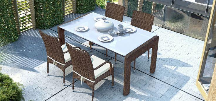 Idealny na rodzinne spotkania i wspólne obiady - stół PRATO 160cm w kolekcji Royal brąz marki Oltre Outdoor Indoor Design.