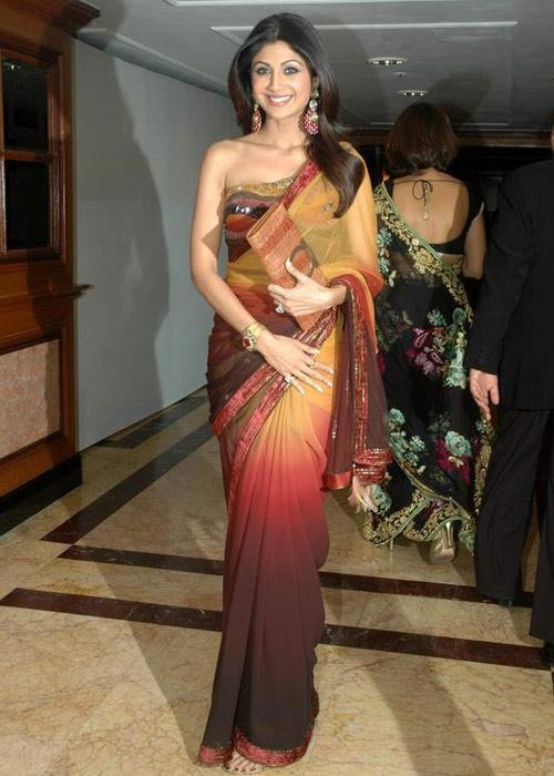 Great color palette shilpashetty #sari #shaded #earthtones