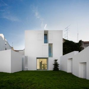 House+in+Alcobaça++by+Aires+Mateus